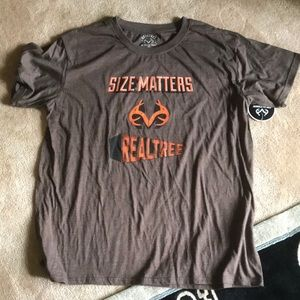 """Real Tree """"Size Does Matter"""" tee"""